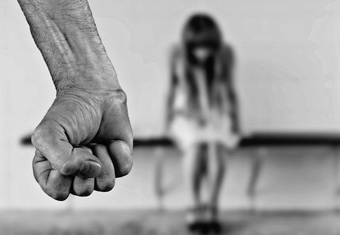 Violenta in familie. Cauze. Efecte. Comportamente. Copilul victima